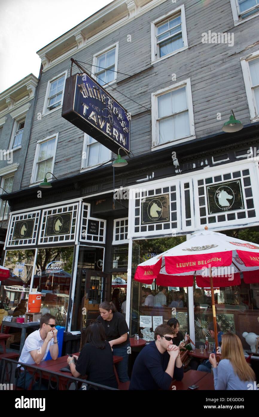 Pub Manhattan Stock Photos & Pub Manhattan Stock Images ...