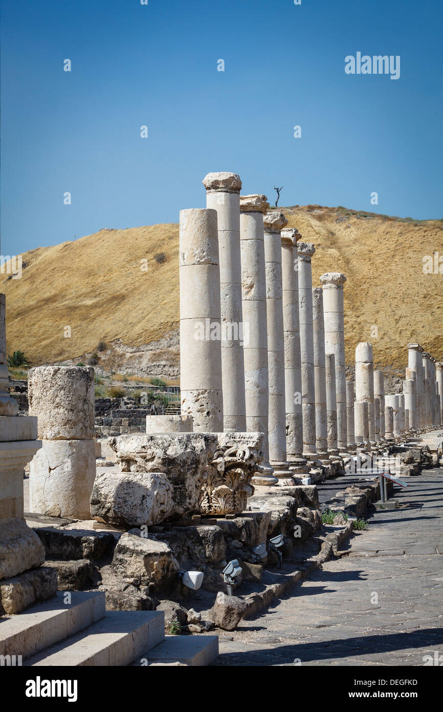 Ruins of the Roman-Byzantine city of Scythopolis, Tel Beit Shean National Park, Beit Shean, Israel, Middle East - Stock Image