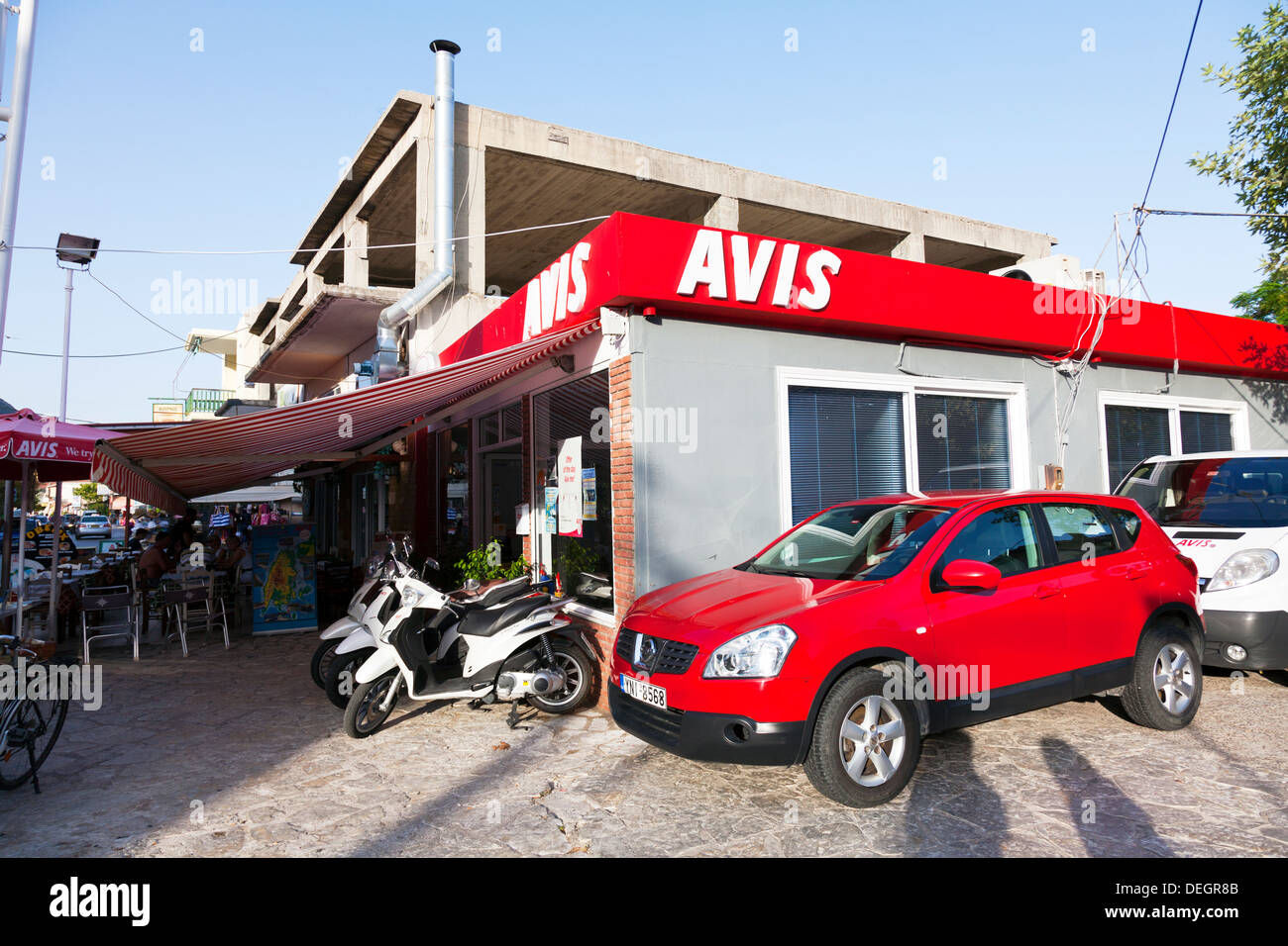 I've had bad experiences with practically all rental companies in Italy: Europcar, Hertz, Avis, Sixt, you name it. I've had also bad experiences with Avis and National in the US, although not as frequently as in Italy where I almost never come home happy.