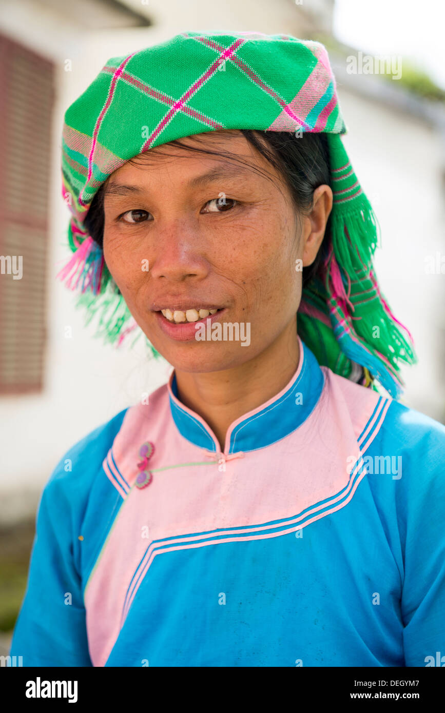 Portrait of ethnic group Giay woman in Sa Pa, Vietnam - Stock Image
