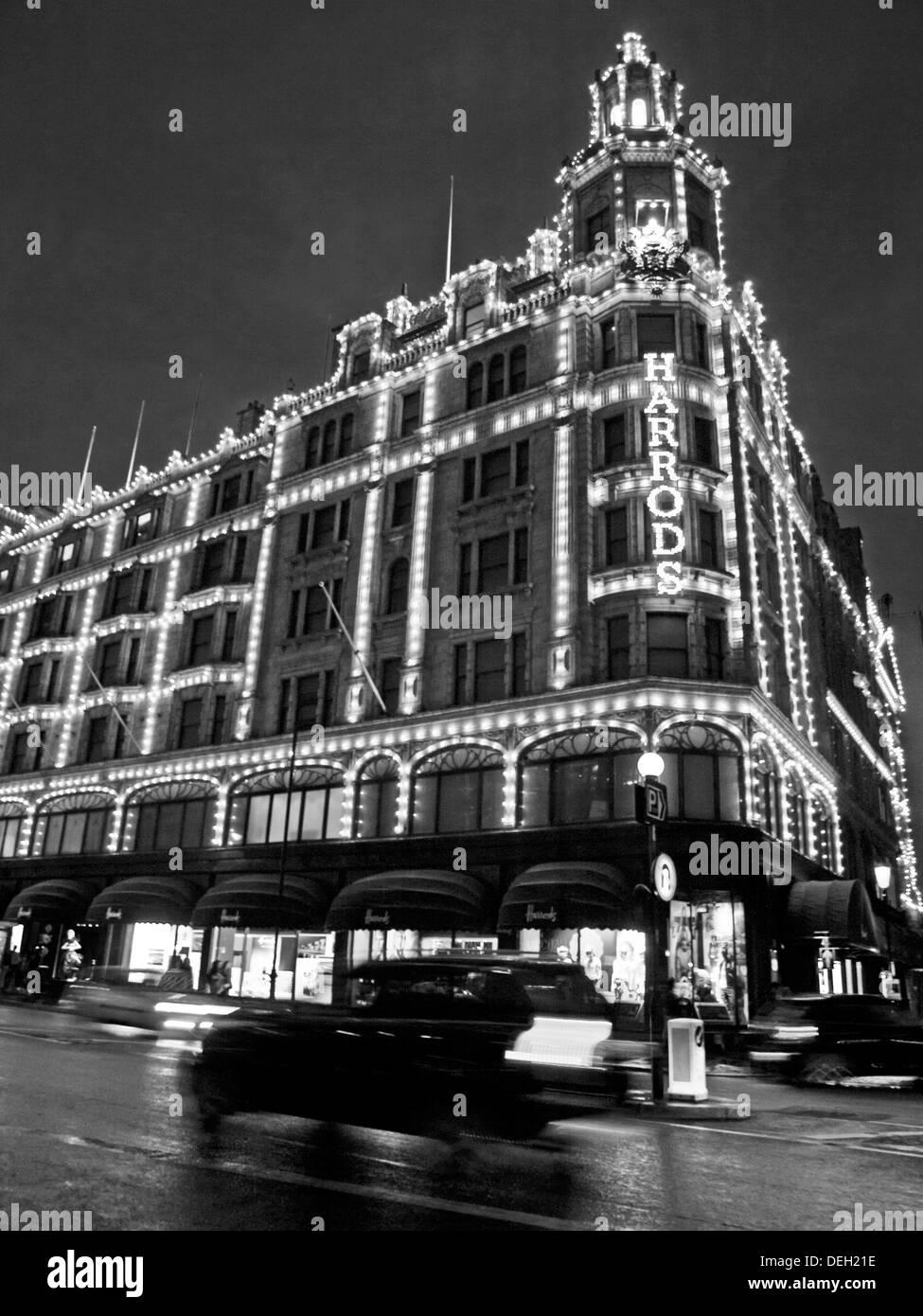 Harrods Department Store at night, Brompton Road,  Knightsbridge, Royal Borough of Kensington and Chelsea Stock Photo