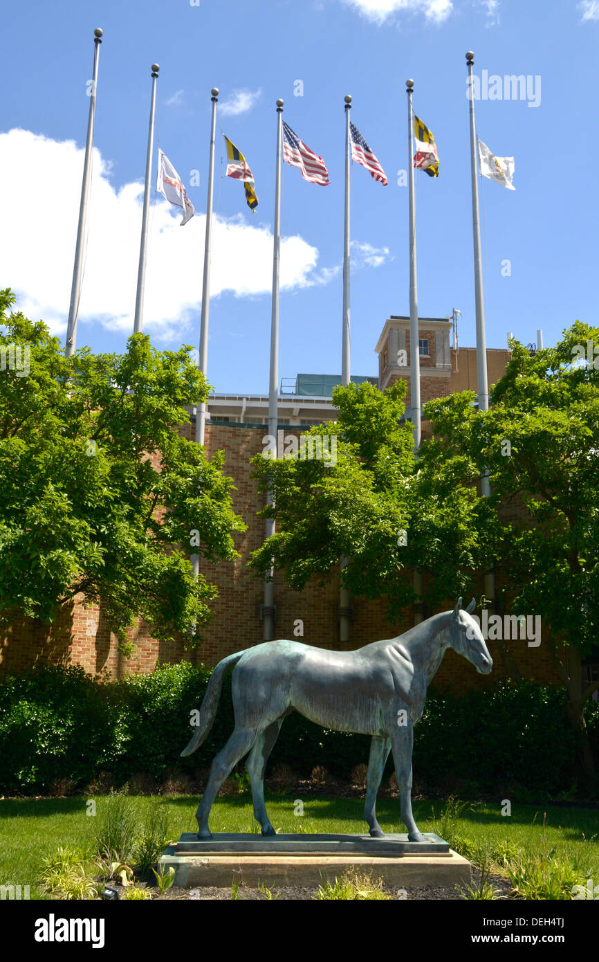 A statue of a horse at the entrance to the Laurel Race Track in Laurel, Maryland - Stock Image