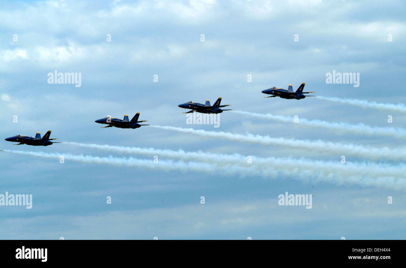 Blue Angels in flight at Andrews AFB - Stock Image