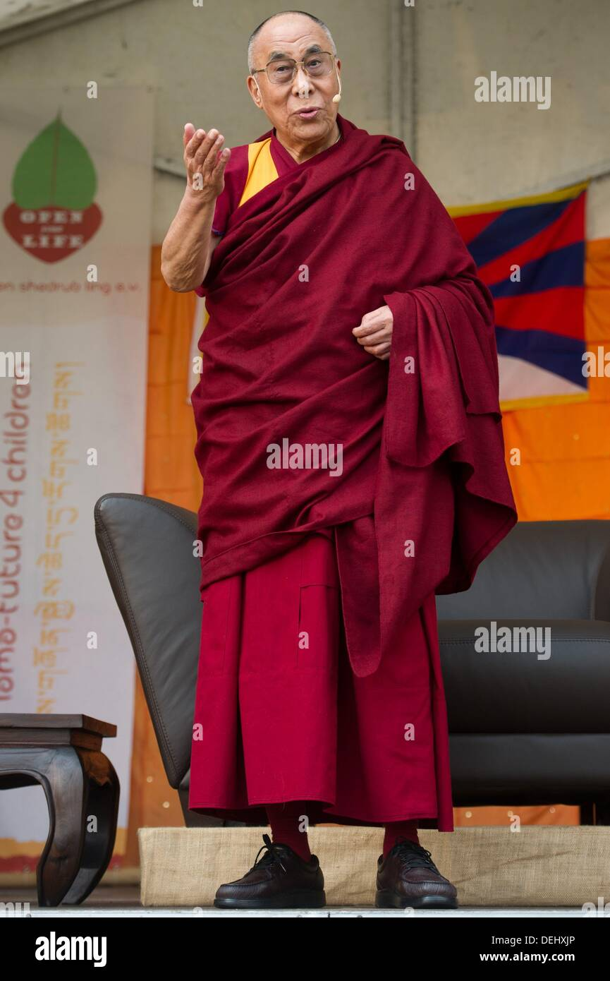Steinhude, Germany  19th Sep, 2013  The Dalai Lama gives a speech in