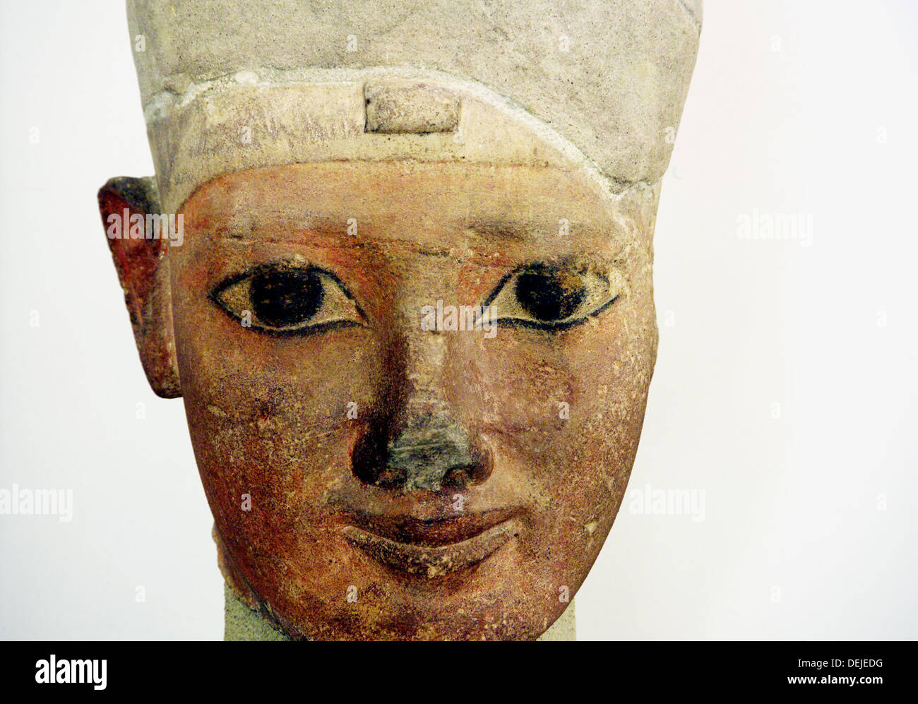 Terracotta of king with the white crown, symbol of Upper Egypt, in the Egyptian Museum of Torino. Italy - Stock Image