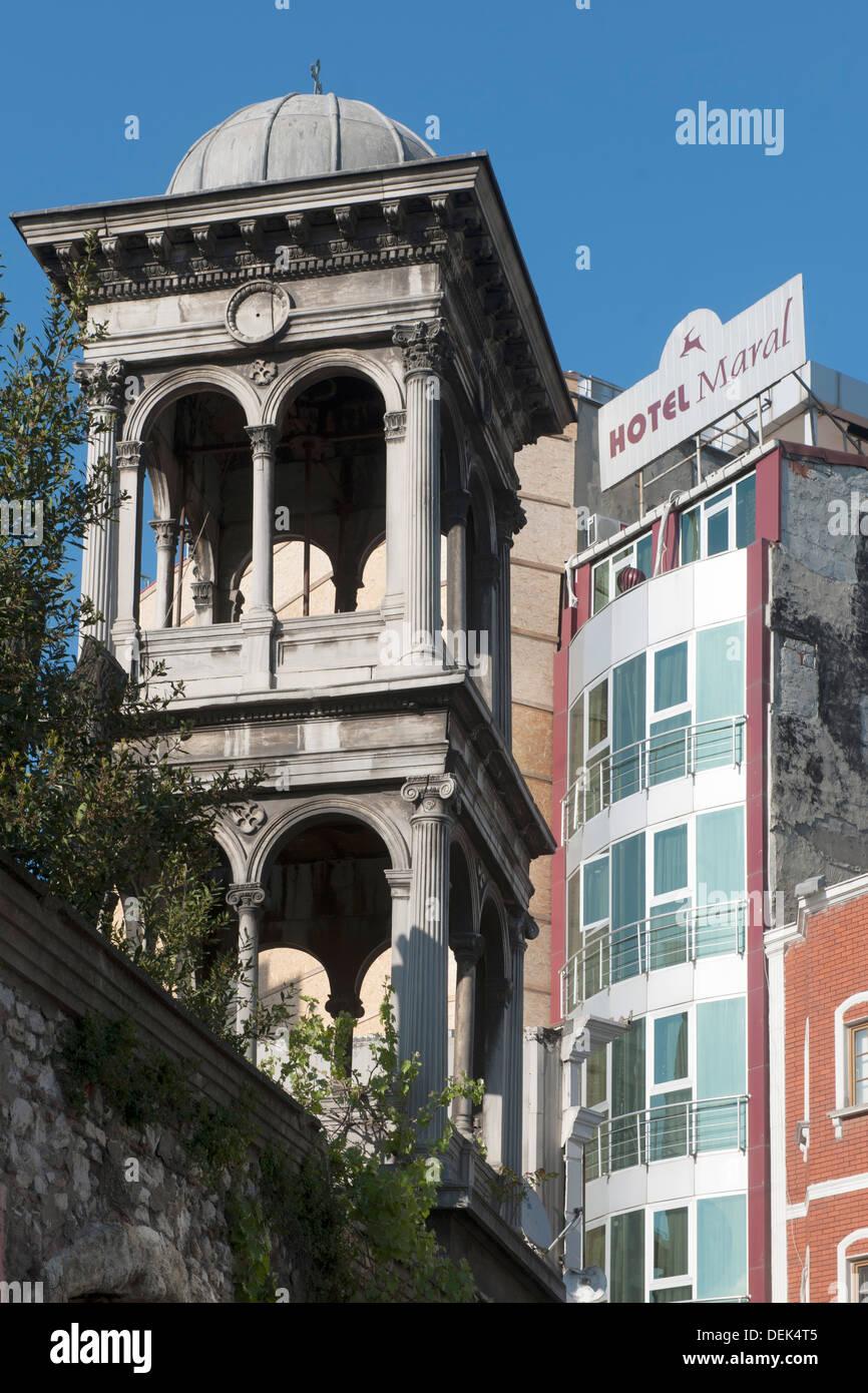 Istanbul, Kumkapi, Kirchturm der Aytodori Kirche - Stock Image