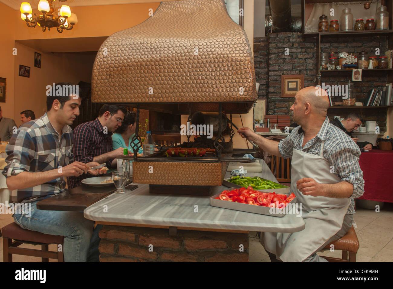 Istanbul, Samatya, Ali Haydar, bekanntes Lokal in Samatya - Stock Image