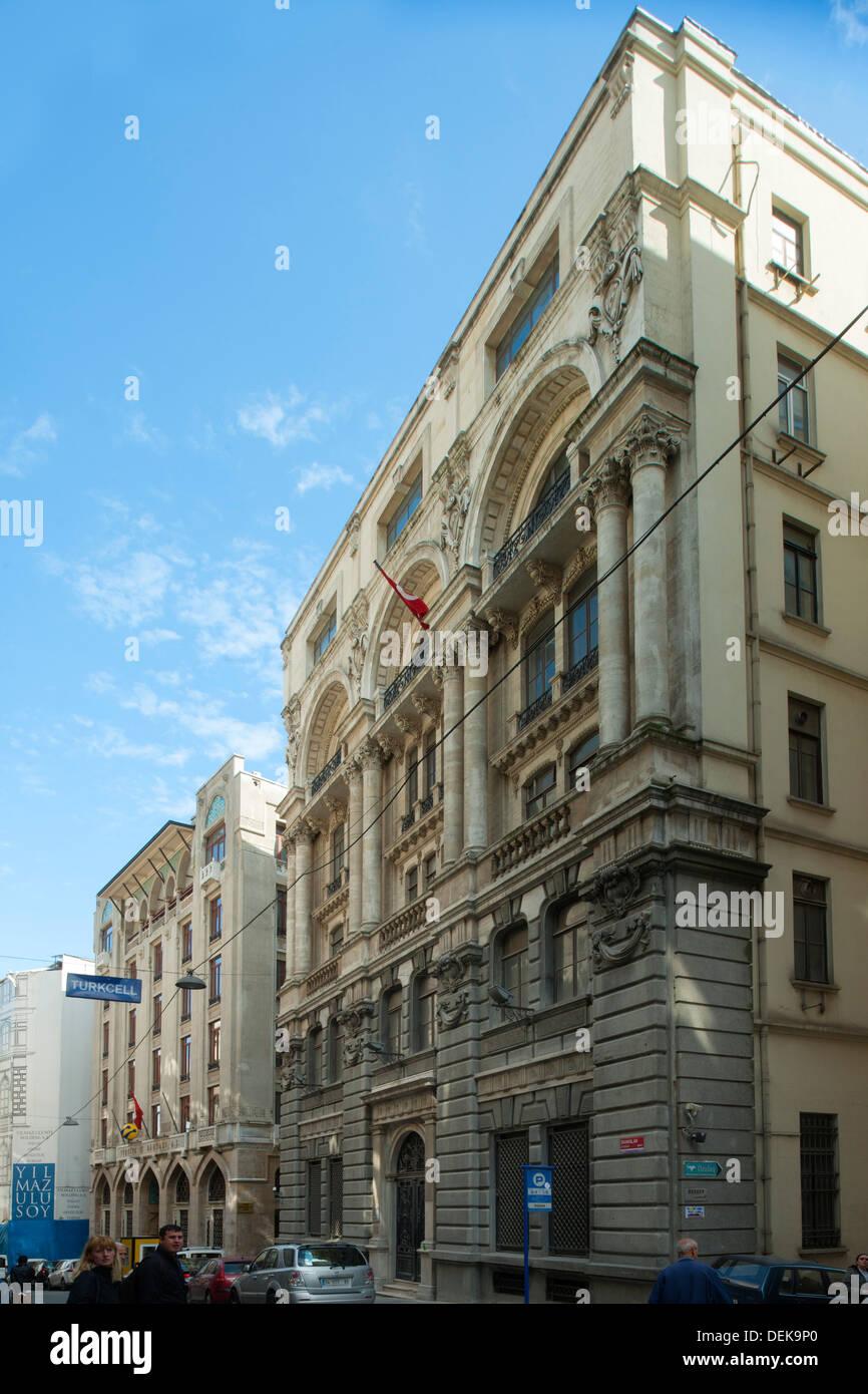 Istanbul, Galata, Bankalar Caddesi 1035 (vorderes Gebäude), Sitz des italienischen Versicherungskonzerns Assicurazioni Generali - Stock Image
