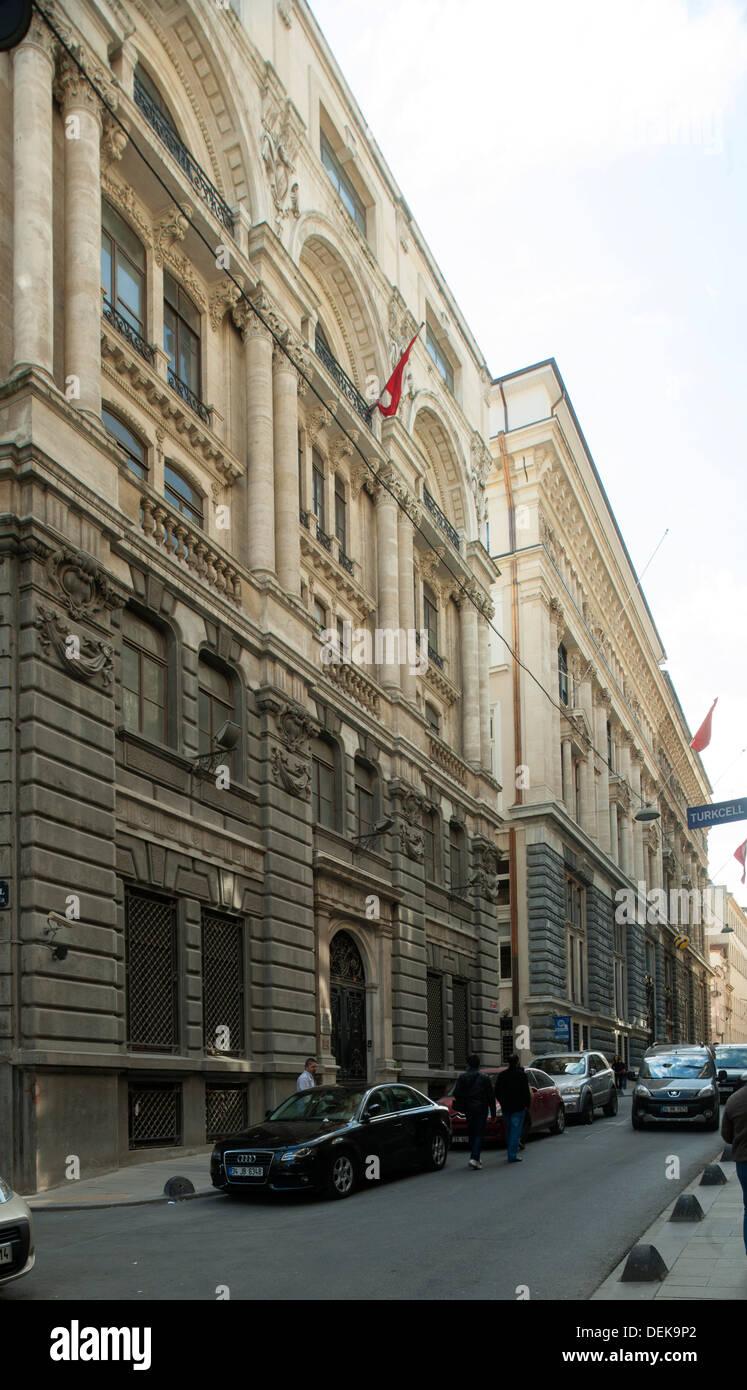 Istanbul, Galata, Bankalar Caddesi, das hintere Gebäude ist der einstige Hauptsitz der Ottoman Bank, heute Salt Galata - Stock Image