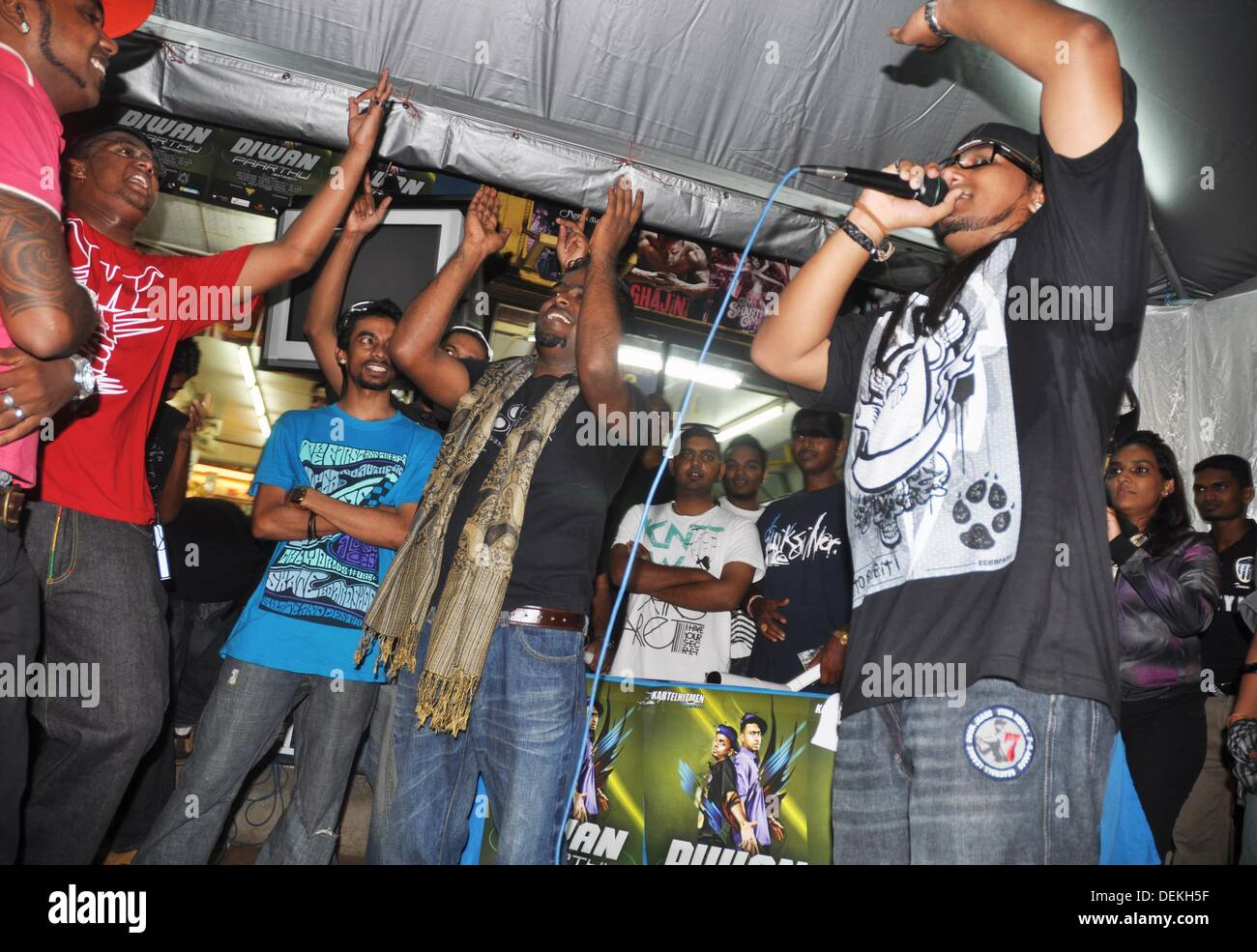 George Town, Penang (Malaysia): a Tamil-Malay hip-hop band during their last CD´s launch in a shop in Little India - Stock Image
