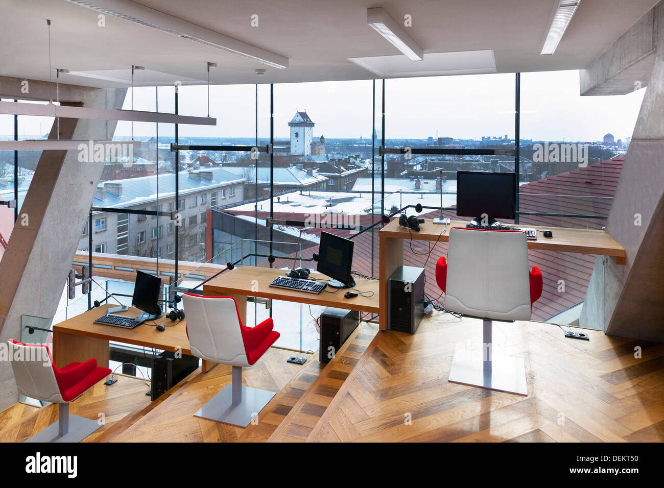 Chairs and desks in library at Narva College, Tartu University, Tartu, Tartu, Estonia - Stock Image