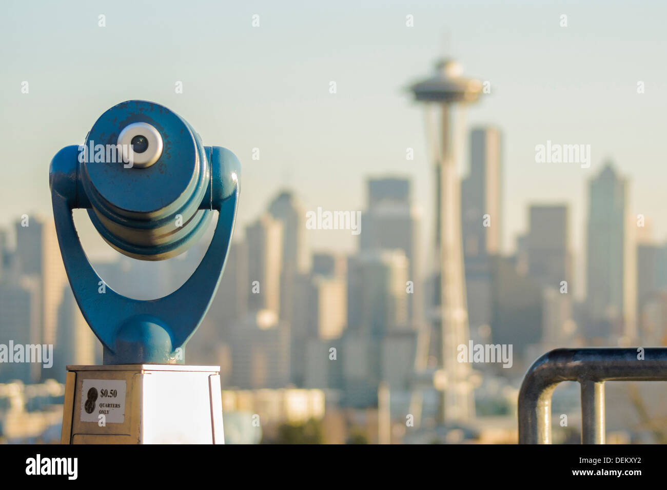 Telescope overlooking Seattle skyline, Seattle, Washington, United States - Stock Image