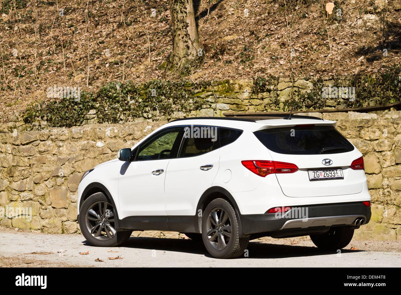 Hyundai Santa Fe 2.2 CRDi iThink 4WD A/T - Stock Image