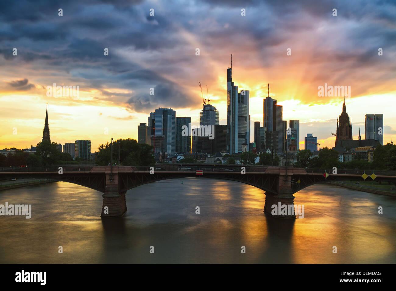 Sunrays on the skyline of Frankfurt, Germany - Stock Image