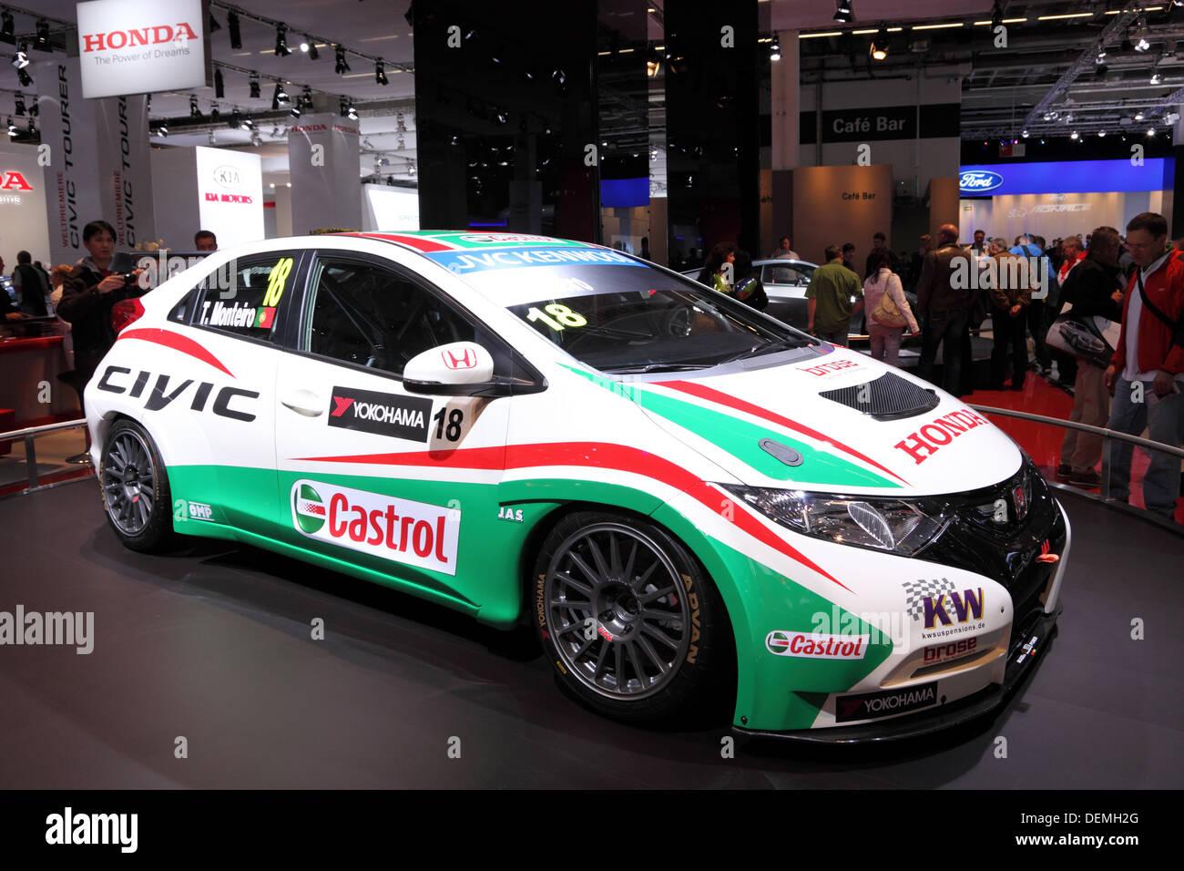 Honda civic racing cars images for Honda civic race car