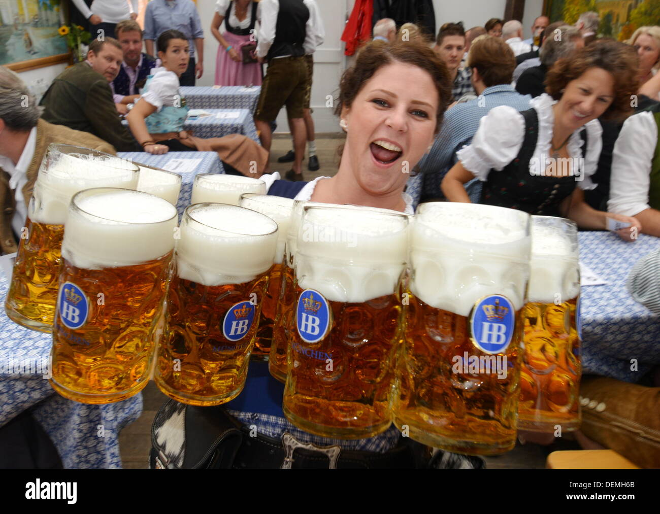 munich germany 21st sep 2013 waitresses helga carries beer jugs