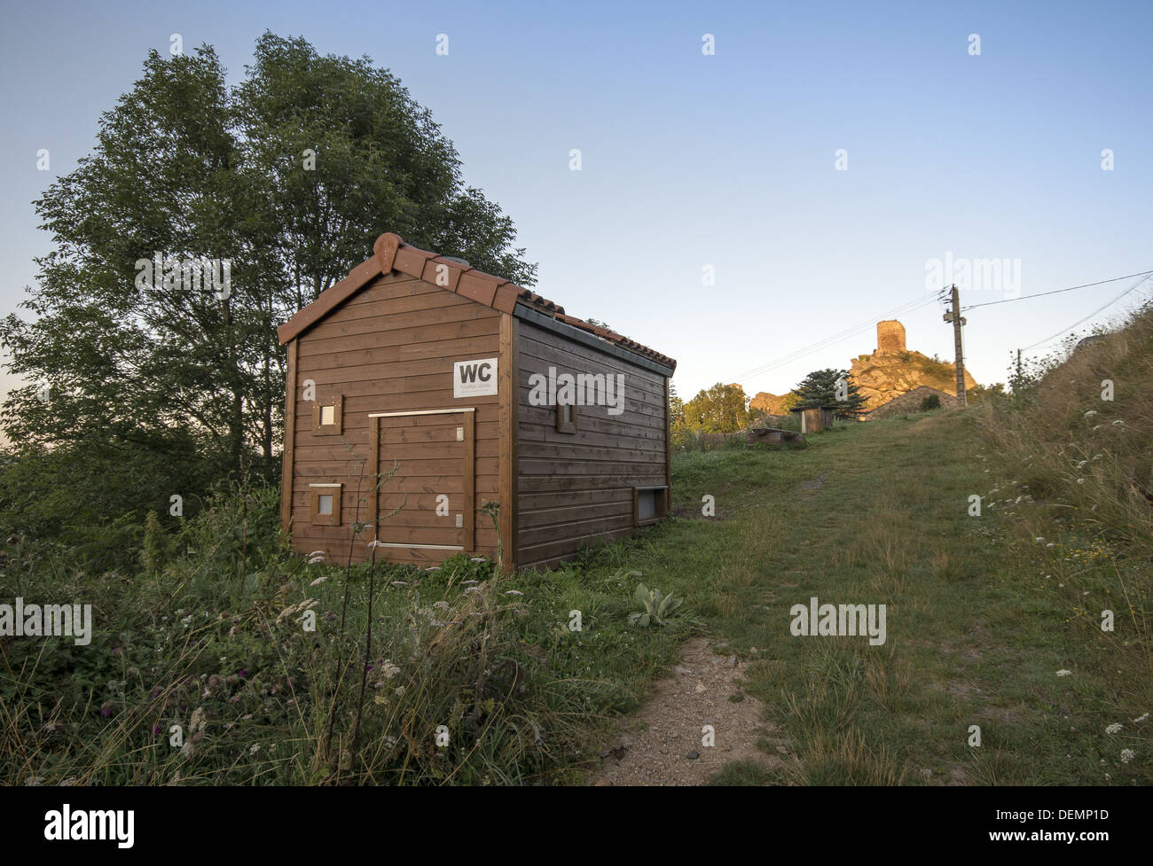Toilet facilities near the village of Rochegude on the GR65 walking route in France. The Way of St James, Camino de Santiago - Stock Image