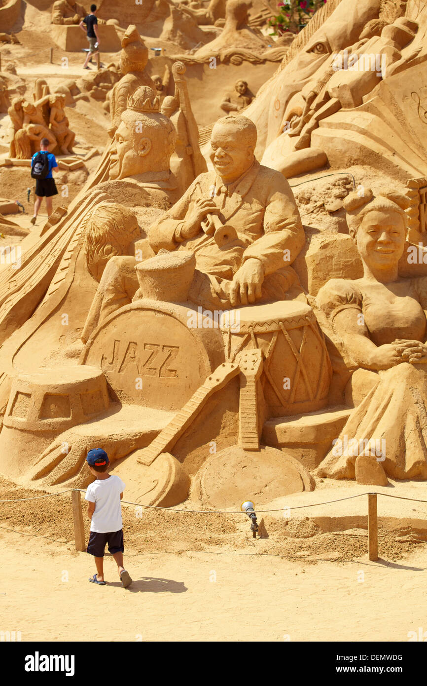 Sand sculptures at 'Sand City 2013', Pera, Algarve, Portugal - Stock Image