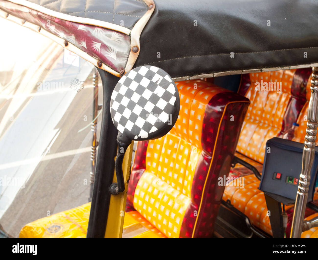 Cng Auto Rickshaw High Resolution Stock Photography And Images Alamy