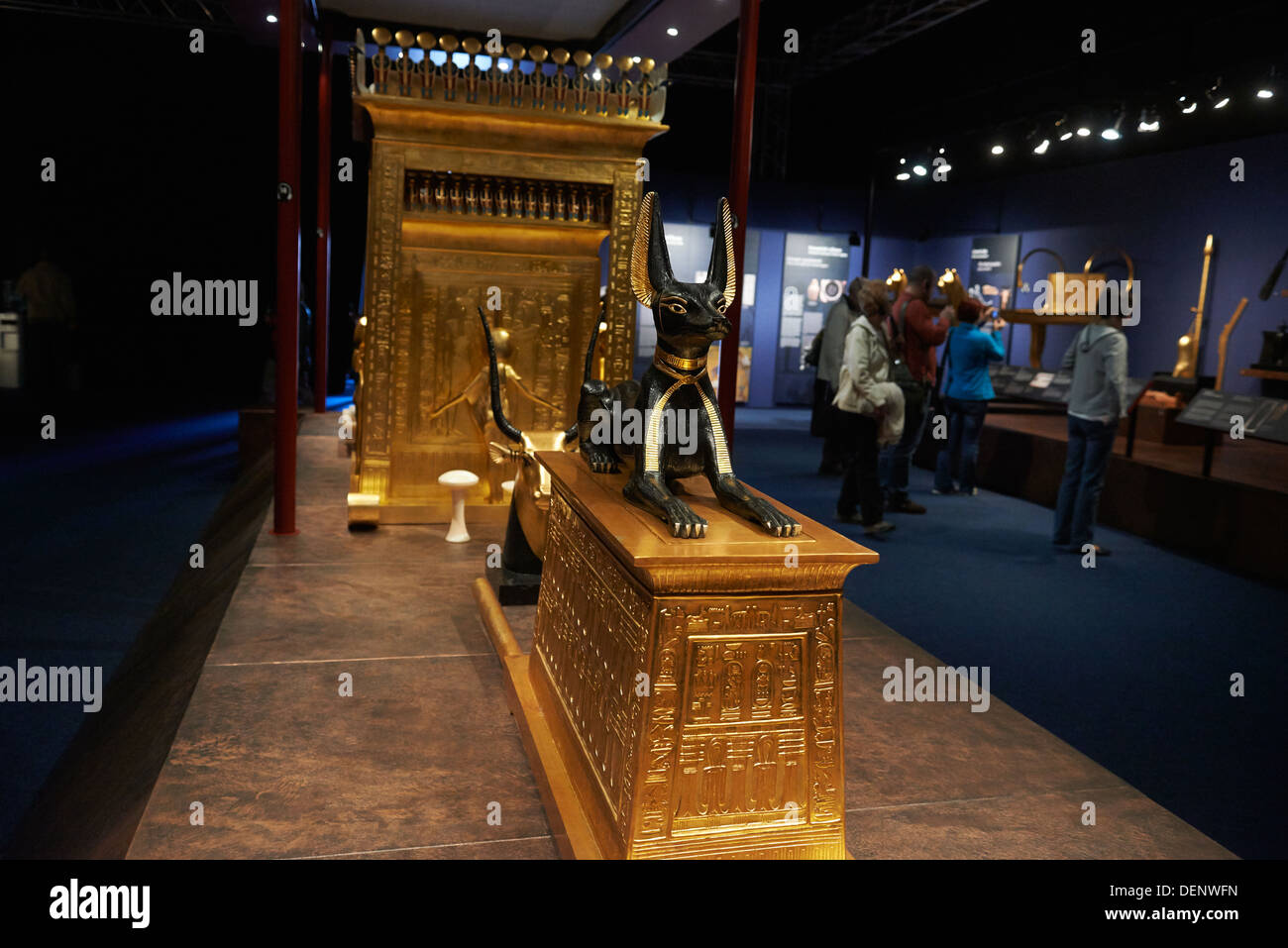 King Tut throne OUR PROPERTY STOLEN BY THE EYGPTIAN ... |King Tut And His Treasures