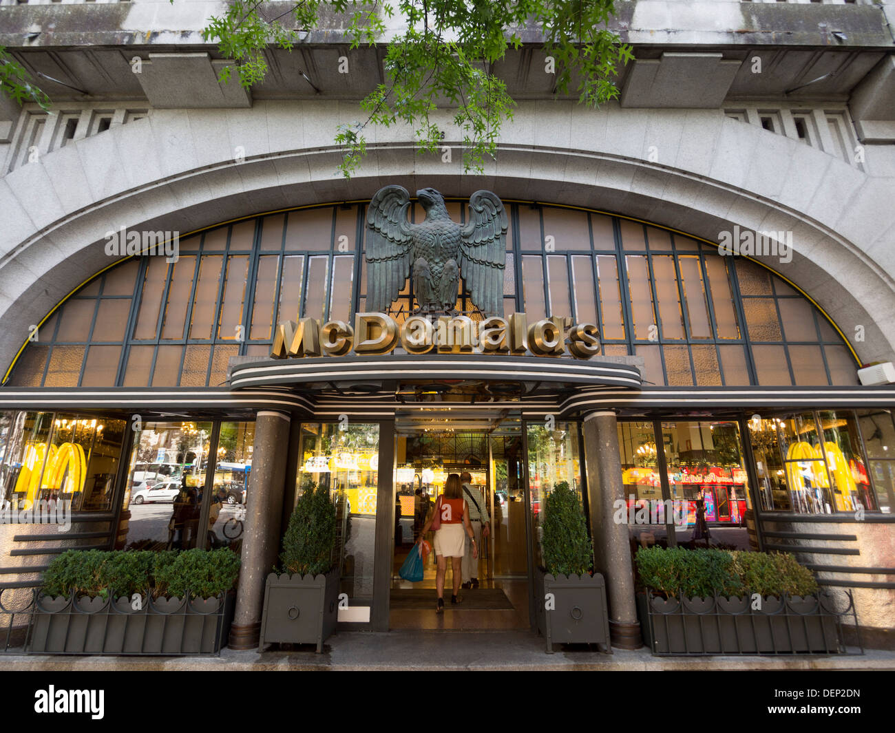 Mcdonalds Store Front Cafe Restaurant High Resolution Stock Photography And Images Alamy