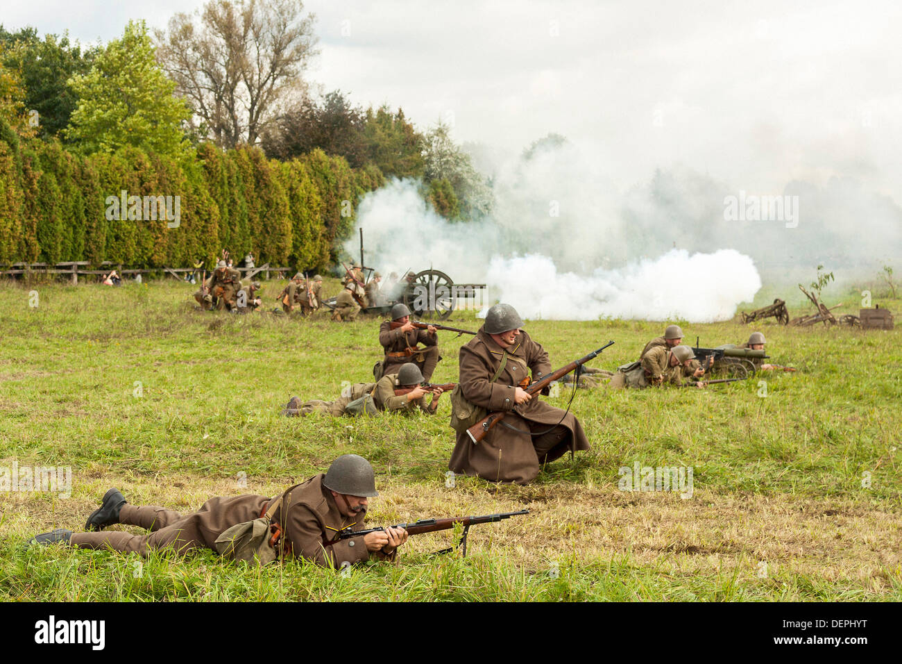 Lomianki, Poland. 22nd Sep, 2013. 22nd September, 2013. Polish infantry during Battle at Lomianki - historical reenactment, Poland Credit:  Travelfile/Alamy Live News - Stock Image