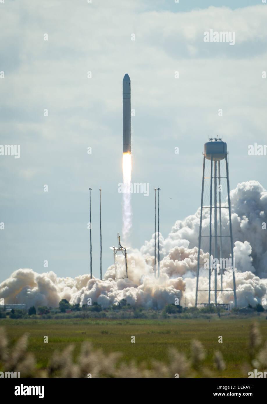 Antares Cygnus Cargo Resupply - Stock Image