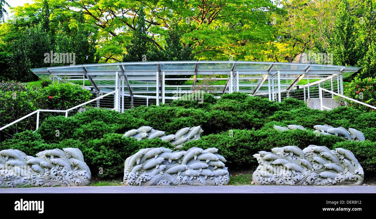 Singapore Top Attractions   Fish Garden Sculptures At Singapore Botanic  Gardens   Stock Image