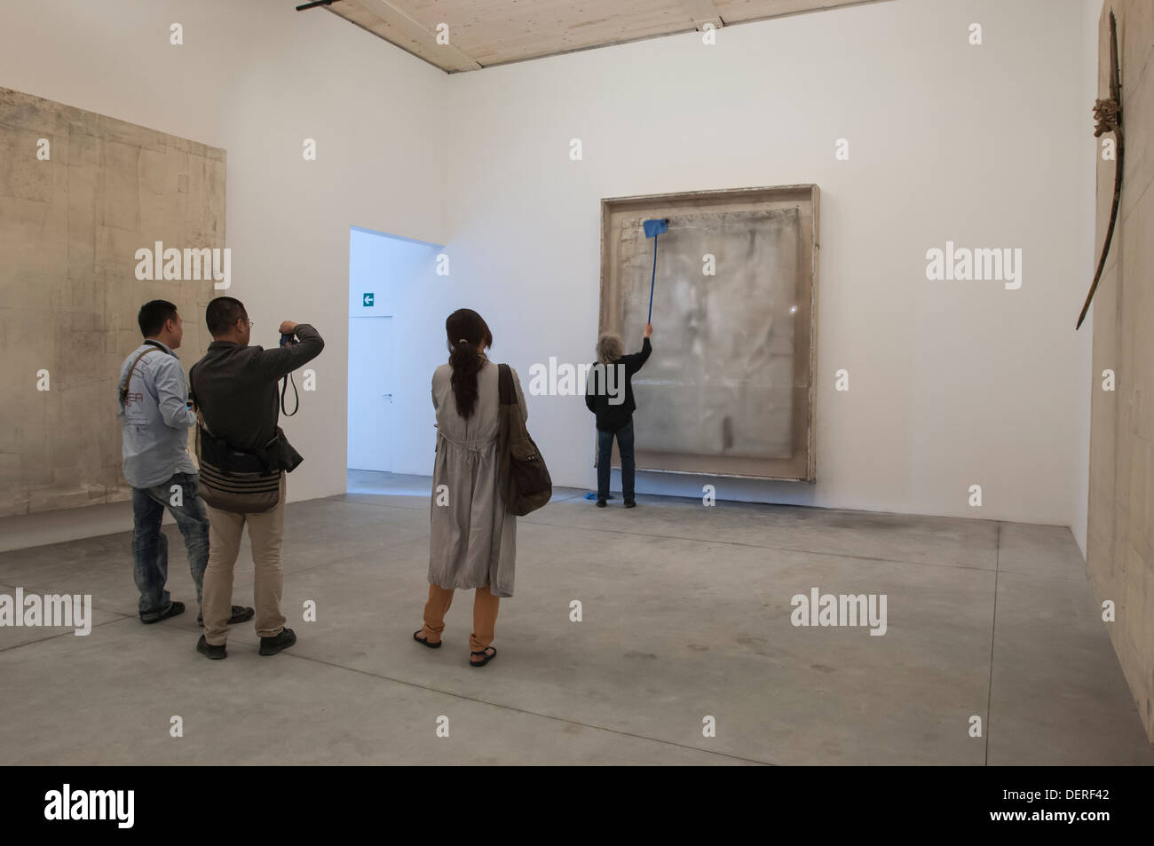Venice Biennale 2013,Vaticano,santa sede Pavilion. The Lawrence Carroll room.'Ricreazione'. L. Carroll  at the vernisage.. - Stock Image