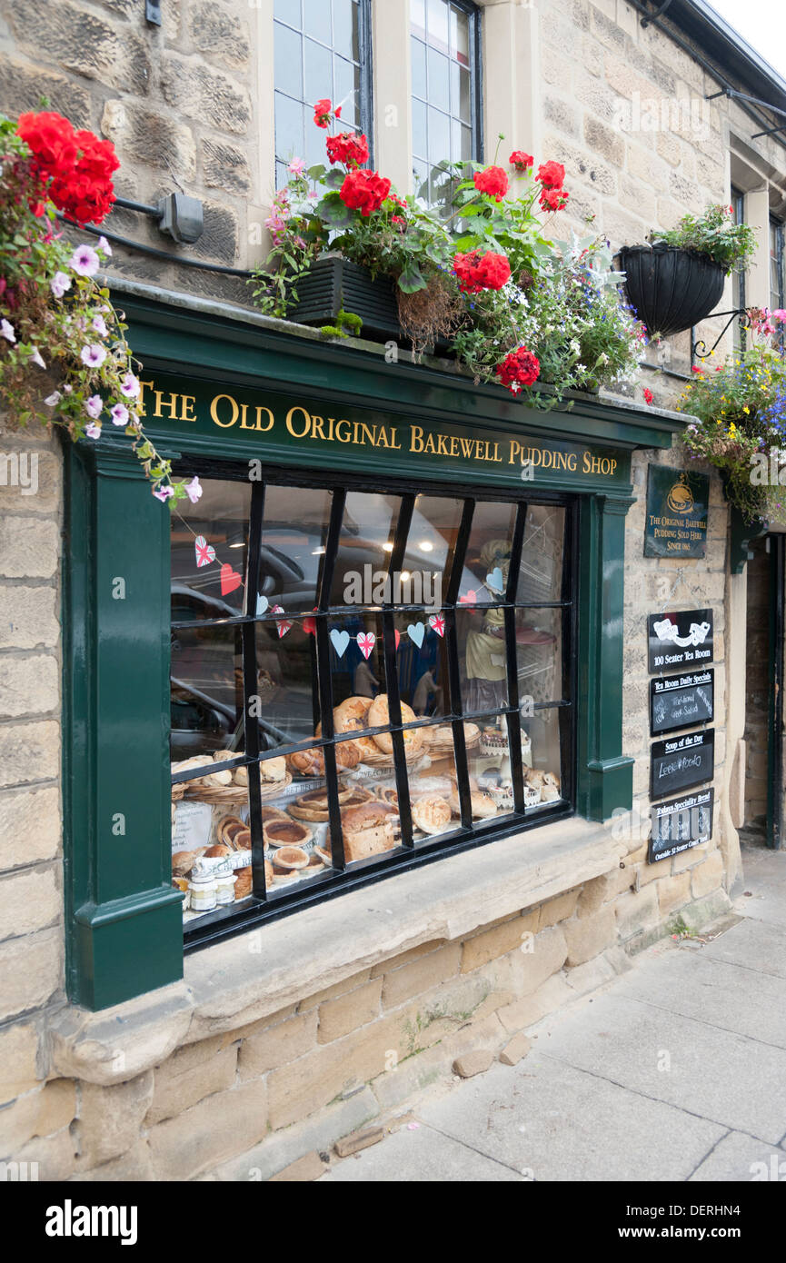 The window of the Original Bakewell Pudding Shop Bakewell Derbyshire UK - Stock Image