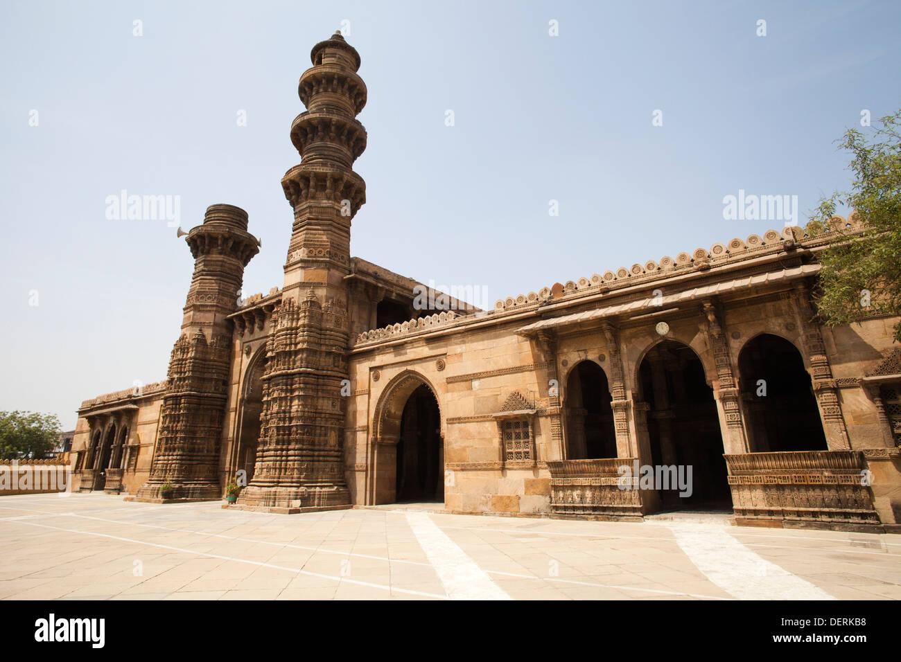 Facade of a mosque, Jhulta Minara, Ahmedabad, Gujarat, India - Stock Image