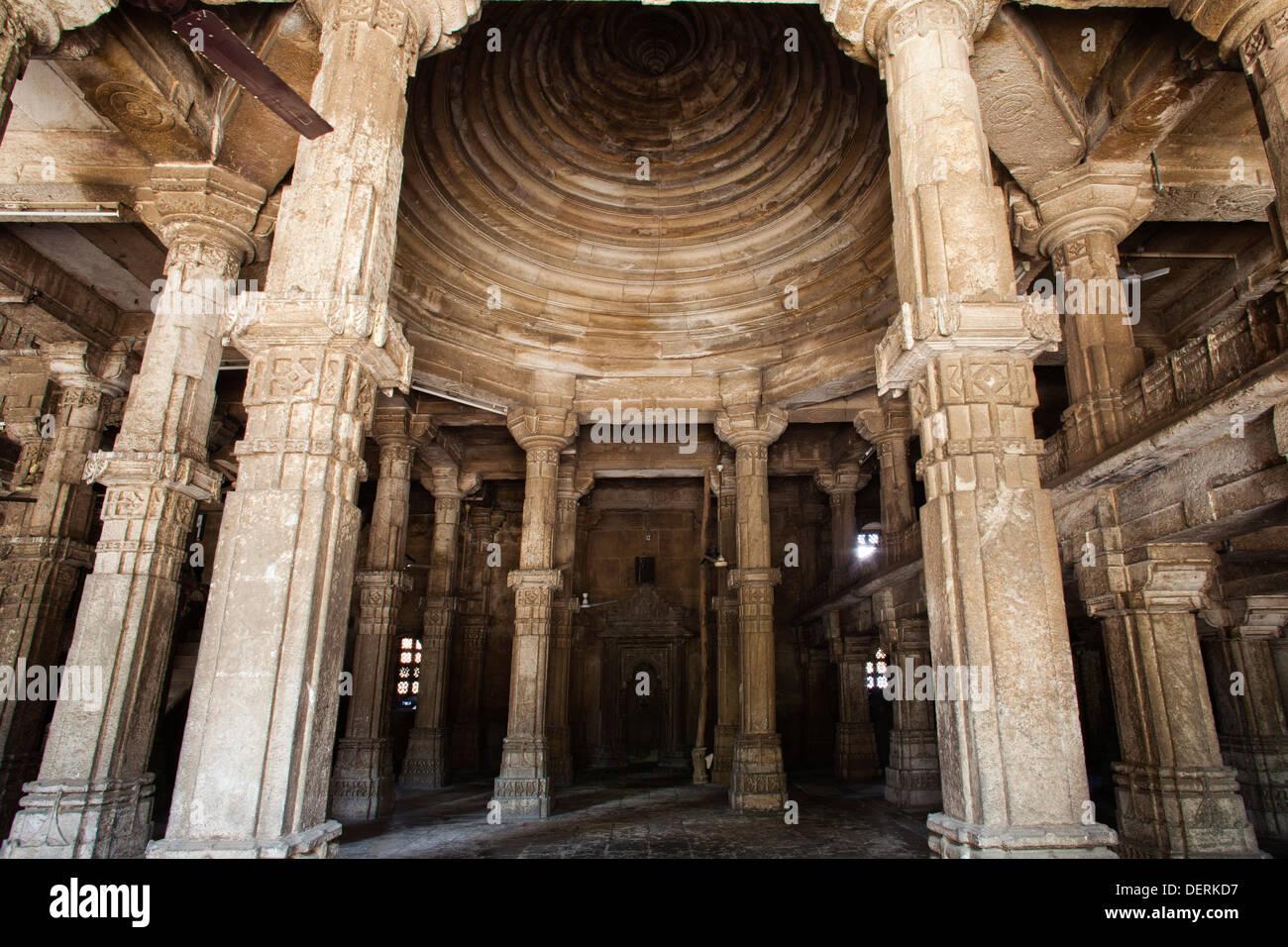 Interiors of a mosque, Jhulta Minara, Ahmedabad, Gujarat, India - Stock Image