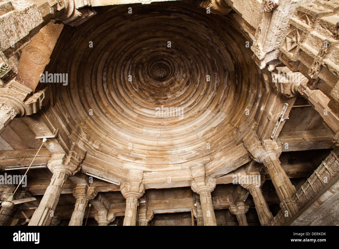 Low angle view of the ceiling of a mosque, Jhulta Minara, Ahmedabad, Gujarat, India Stock Photo