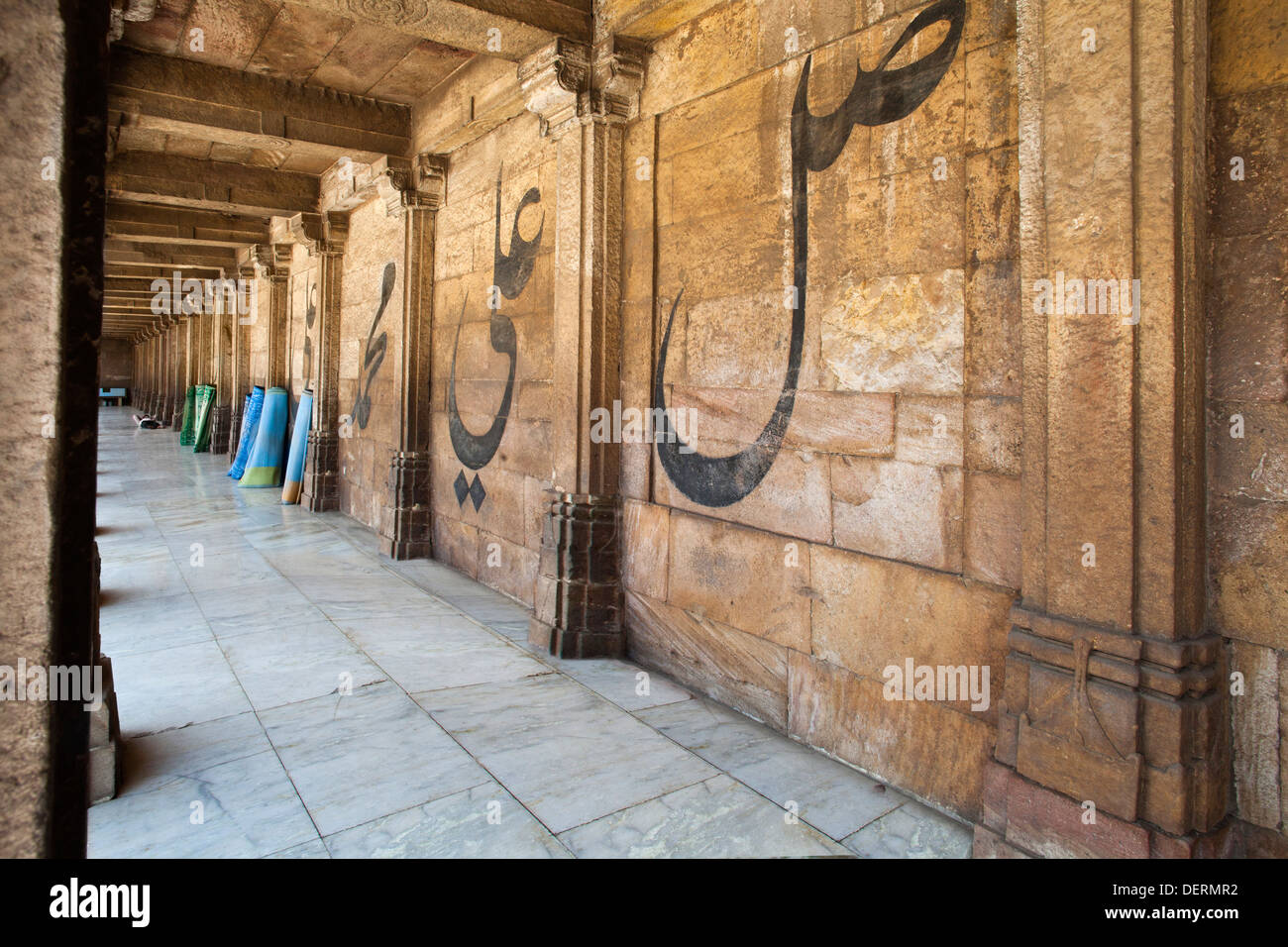Corridor of a mosque, Jama Masjid, Ahmedabad, Gujarat, India - Stock Image