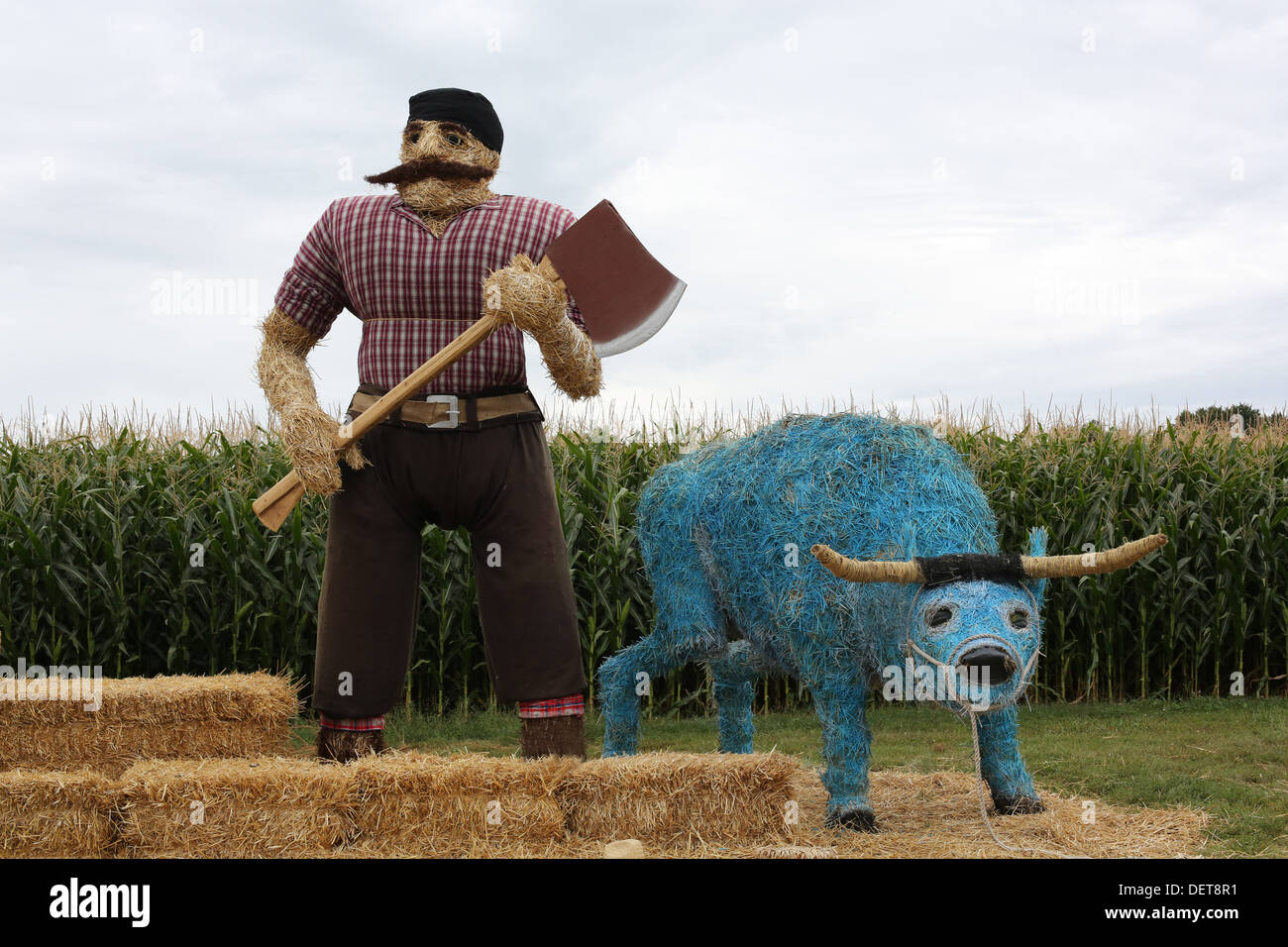 Statues of Paul Bunyan and Babe the Blue Ox made out of hay at Sever's Corn Maze in Shakopee, Minnesota. Stock Photo
