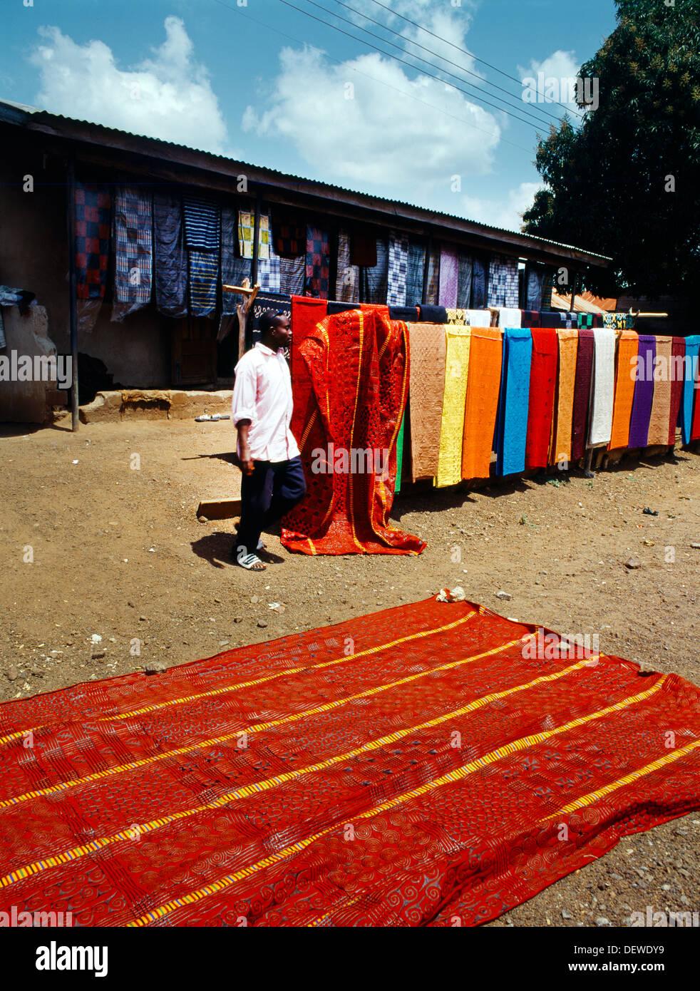 ashanti ghana northern territory onso village selling adinkra cloth