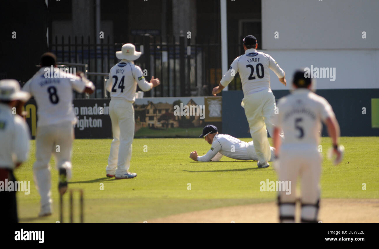 Catch The Second Stock Photos Images Alamy Deweze Wiring Diagram Sussexs Matt Prior Fielding In Slips Palms Ball Up Air Before Diving