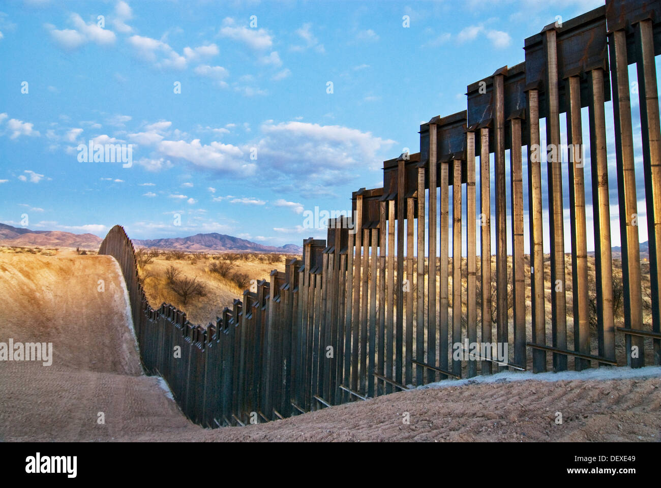 the issue of international borders as portrayed in the us mexican border Us border patrol agent saul rocha monitors the wall at california's border  field state  murphy asked, answering his own question - drugs.