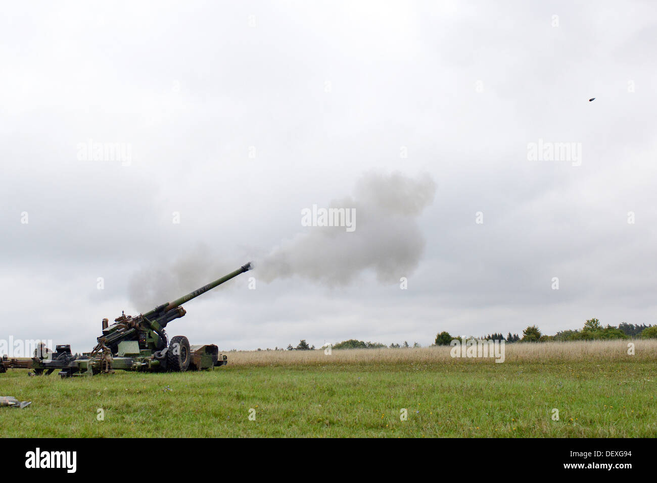 French soldiers fire a French TRF1 155 mm self-propelled howitzer as part of a live fire exercise during Combined Endeavor at the Joint Multinational Training Command's Grafenwoehr Training Area, Germany, Sept. 17, 2013. Combined Endeavor is an annual com - Stock Image