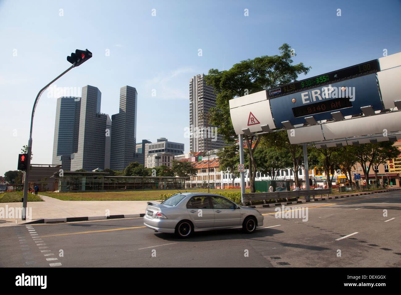 ERP customs Singapore city tax taxation spot car automatic electronic wireless money pay payment gate pass city payment subtract - Stock Image