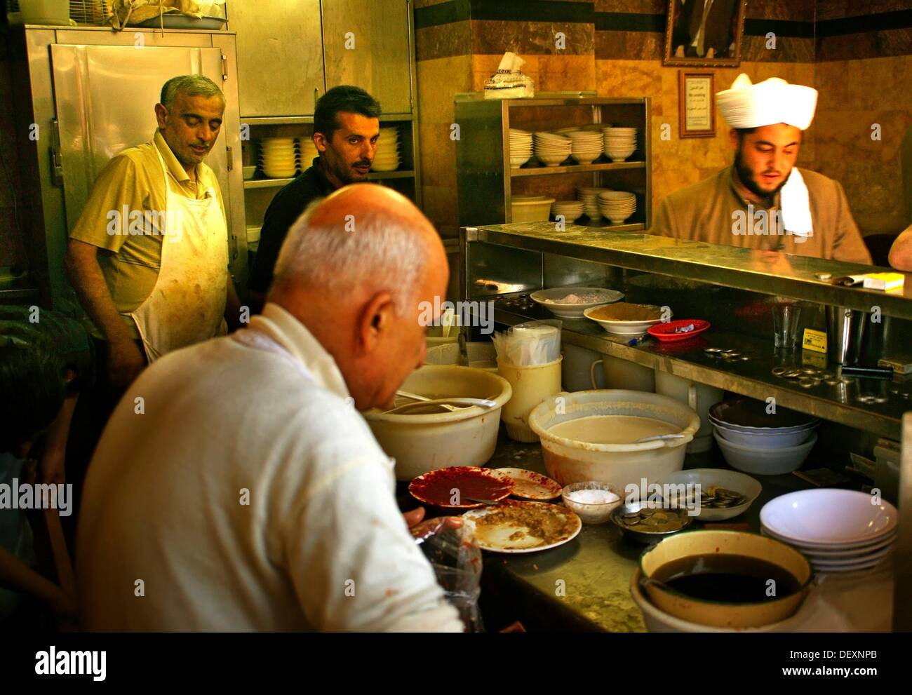 At the ´foul´ peak beans restaurant of Abou Abdou, in the Christian area of Jdeidé, Aleppo, Syria - Stock Image