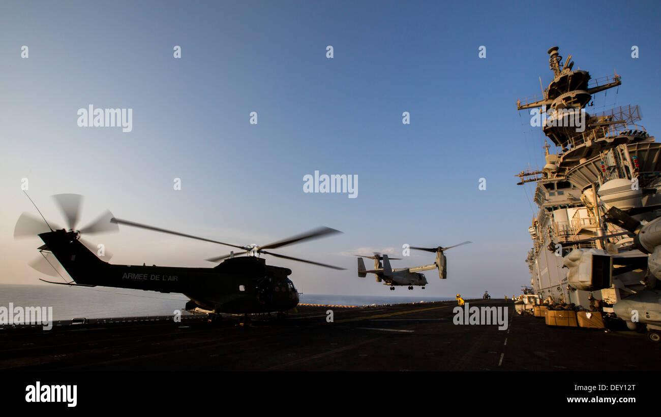 MV-22B Osprey assigned to Marine Medium Tiltrotor Squadron (VMM) 266 (Reinforced), 26th Marine Expeditionary Unit Stock Photo