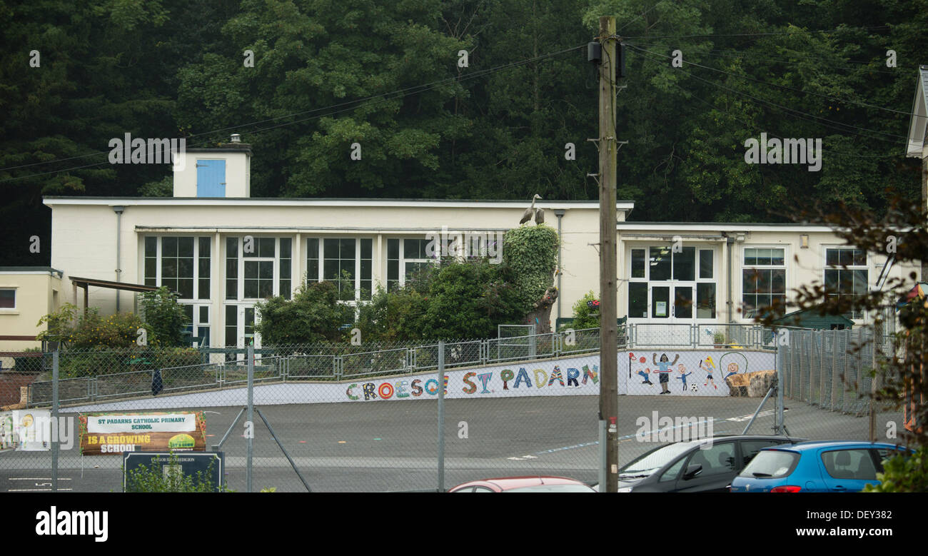 Llanbadarn, Aberystwyth, UK. 25th Sep, 2013. Parents of the 114 pupils at St Padarn's Primary School, Llanbadarn Aberystwyth, have been warned to be alert for the  symptoms of meninigits, after a pupil at the school was diagnosed with the illness.  Aberystwyth Wales UK, Wednesday 25 September 2013  Photo Credit:  keith morris/Alamy Live News - Stock Image