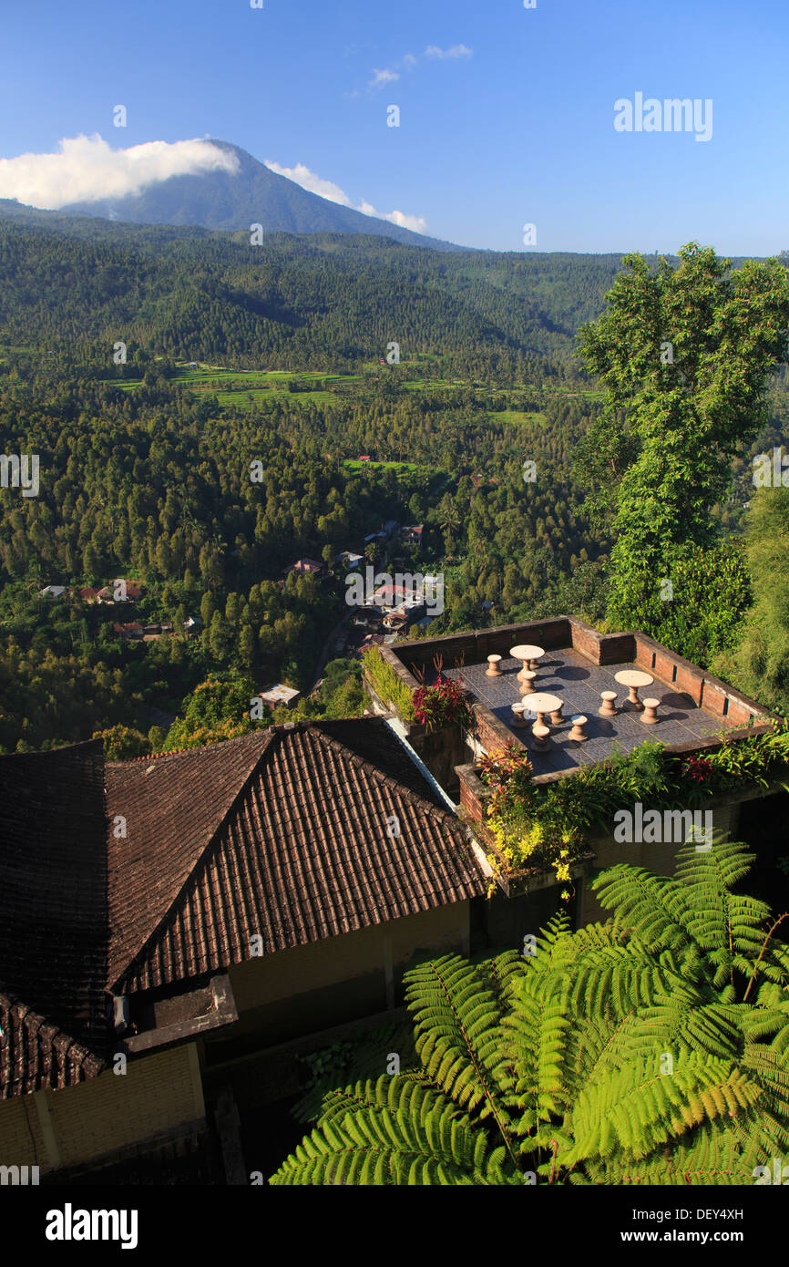Indonesia, Bali, Central Mountains, Munduk, Mundu Town and mountain landscape seen from the popular hiking destination of Munduk - Stock Image