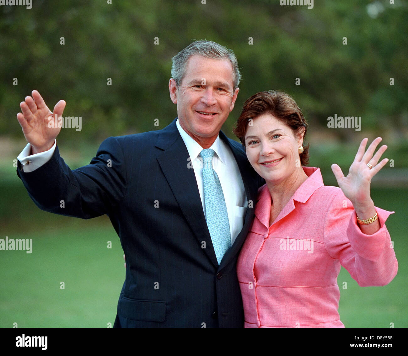 US President George W. Bush and First Lady Laura Bush in their official portrait at the White House June 20, 2004 Stock Photo