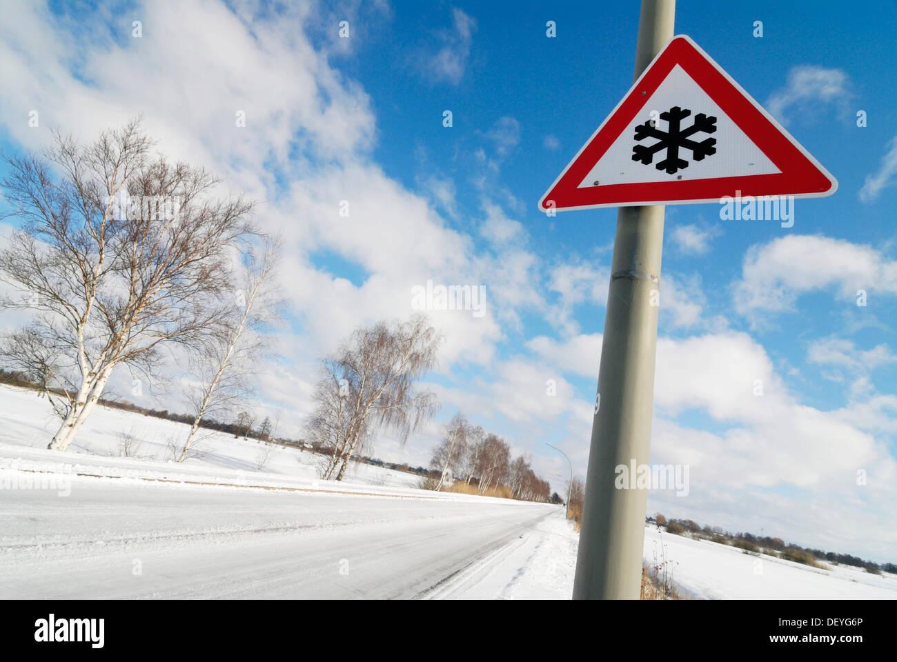 Winter road, slippery roads - Stock Image