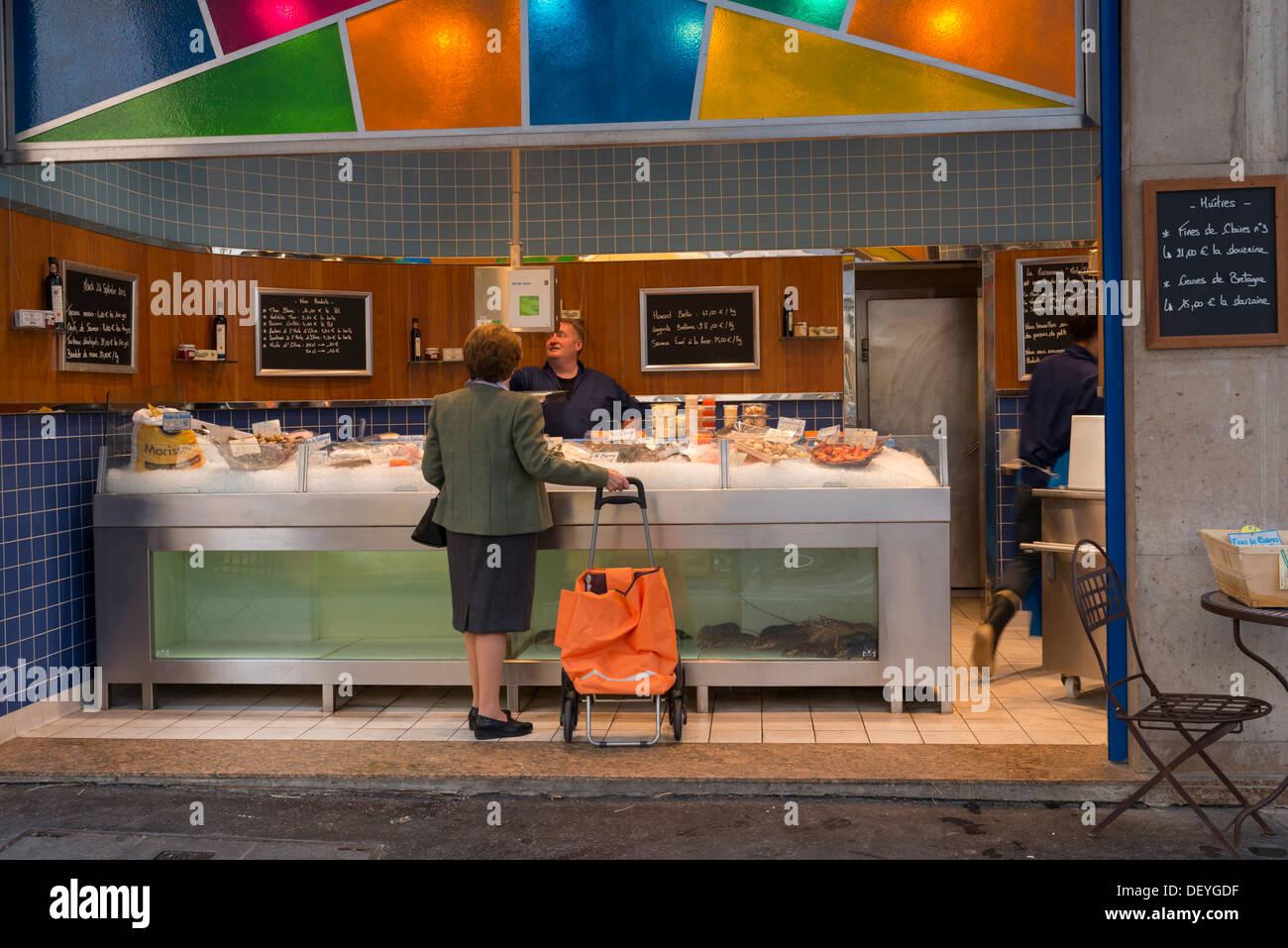 Fish shop, Paris' Rive Gauche - Stock Image