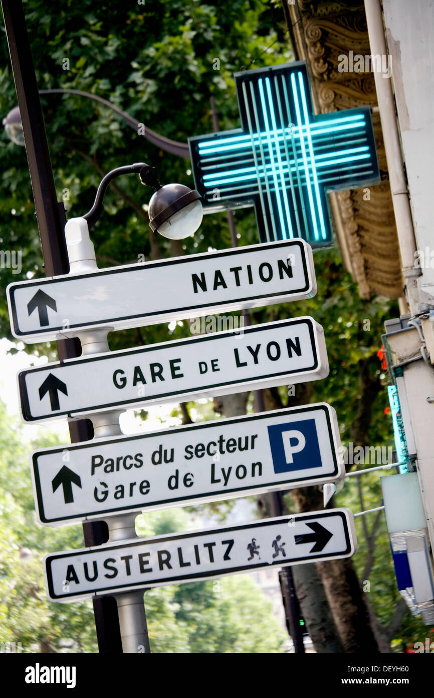 France. Paris. Street indications near Gare de Lyon - Stock Image