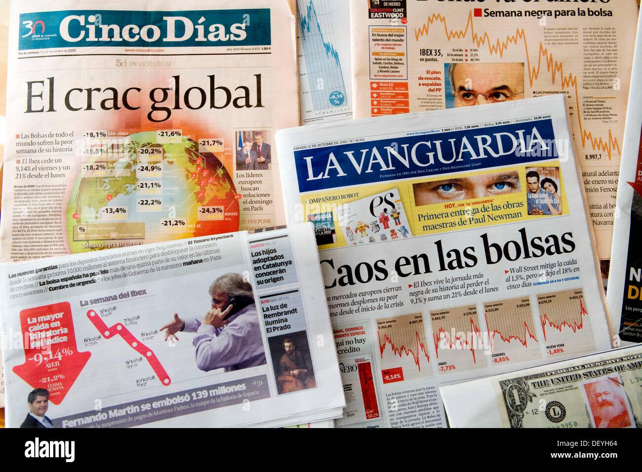 2008 global economy crash as seen through the Spanish newspapers - Stock Image