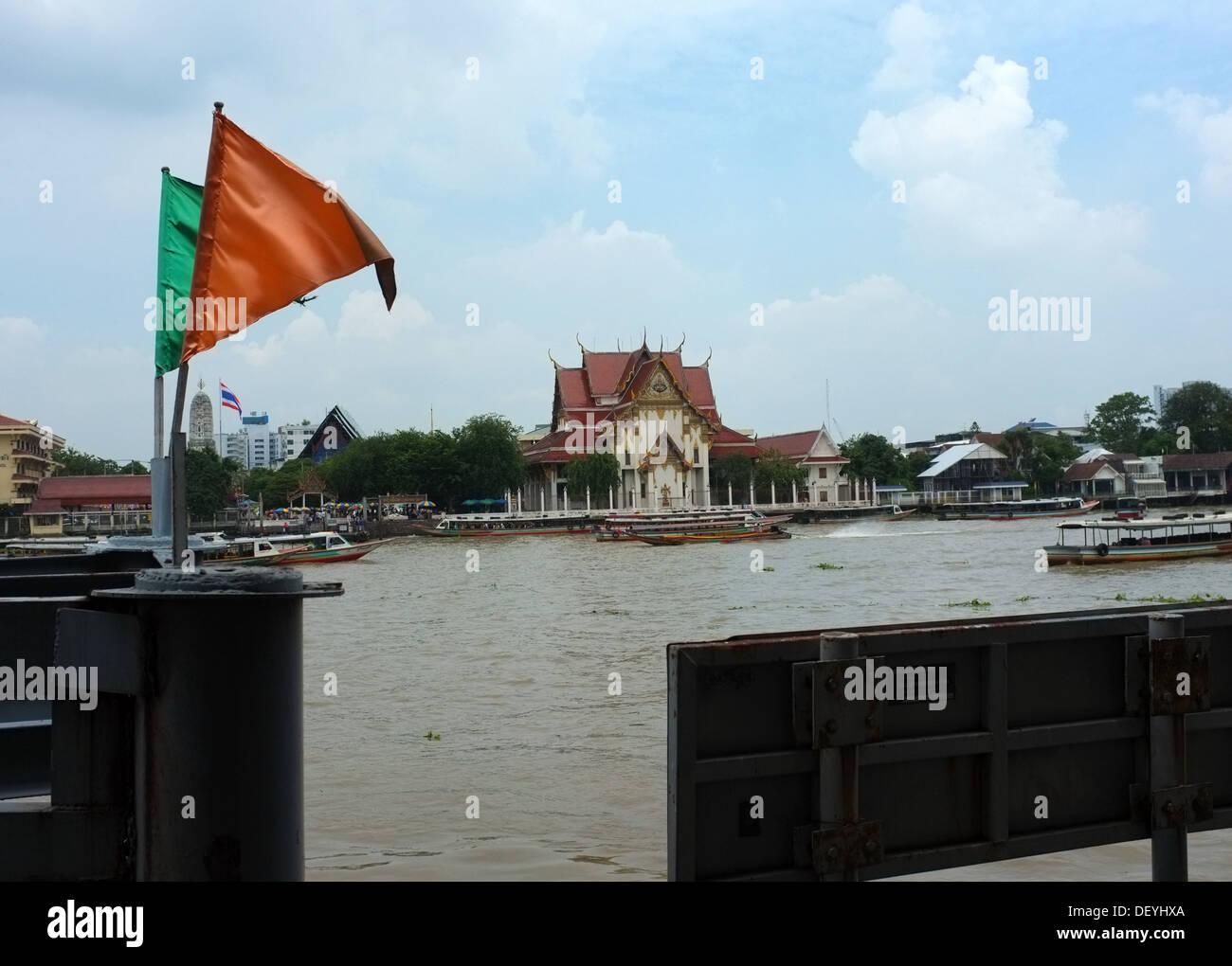Wat Rakang temple on the Chao Phraya River, Bangkok Thailand - Stock Image